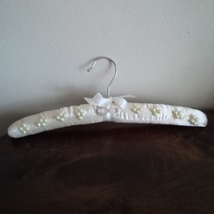 Nwot Padded Satin Bridal Hanger