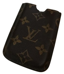 Louis Vuitton I phone 4-4s case original with boxs and does the bag