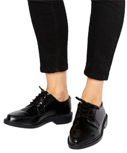 T.U.K Chic Lace Up Pointed Leather Black Flats