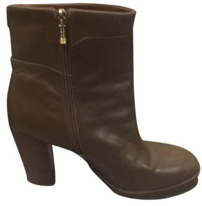 Ivanka Trump brown Boots