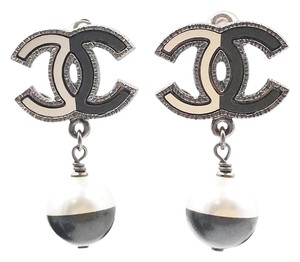 Chanel Chanel Rare Brand New Art Deco White Black CC Pearl Clip on Earrings