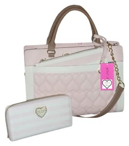 Betsey Johnson Cross Body Blush Quilted Heart Wallet Satchel in BLUSH/BONE
