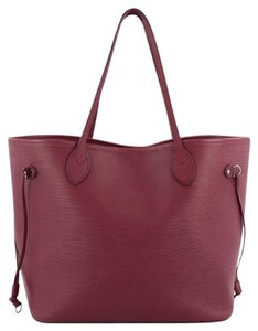 Louis Vuitton Leather Tote in Plum