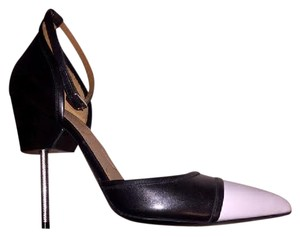 Givenchy Noir Pumps
