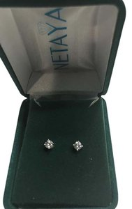 Nataya 1/4 Carat diamond stud earrings in 14k white gold