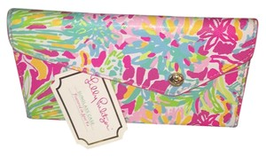 Lilly Pulitzer Lilly Pulitzer Signature Eyeglass Case.