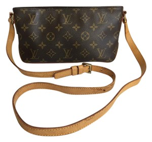 Louis Vuitton Trotteur Monogram Cross Body Bag