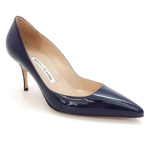 Manolo Blahnik Patent Leather navy Pumps