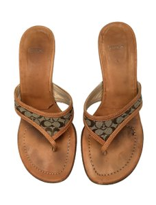 Coach Brown Thong Leather Light Brown Sandals