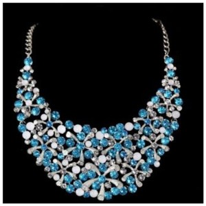Other D40 Absolutely Gorgeous Starburst Blue & Silver Crystal Statement Necklace