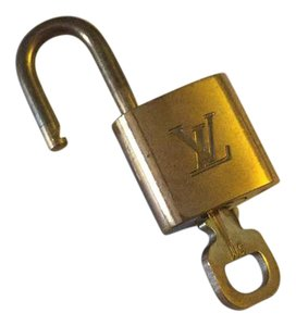 Louis Vuitton Louis Vuitton lock and key set 311