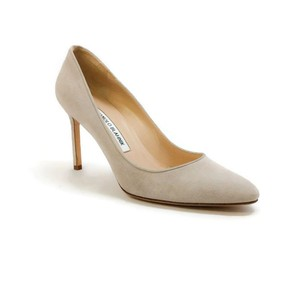 Manolo Blahnik Suede Almond Toe beige Pumps