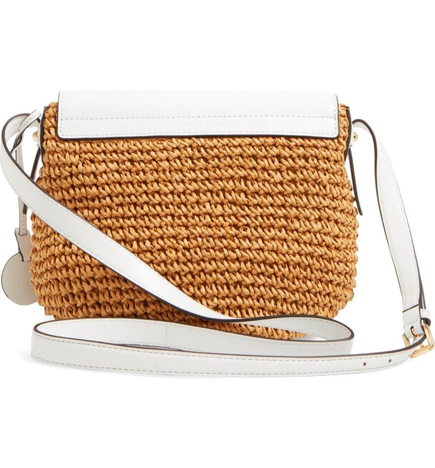 647e37078115ab Michael Kors White & straw Messenger Bag Image 11. 123456789101112. 1 ∕ 12