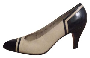 Salvatore Ferragamo Ivory/black Pumps