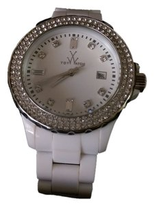 ToyWatch ToyWatch White 32208-WH classic collection