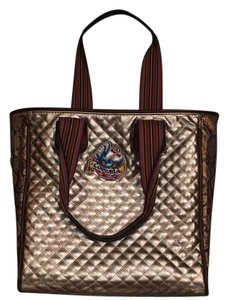 Consuela Tote in silver with personality