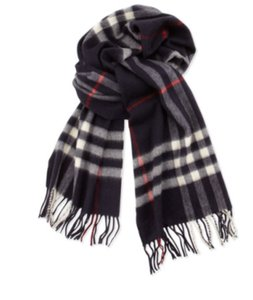 Burberry The Large Classic Burberry Scarf in Check Navy