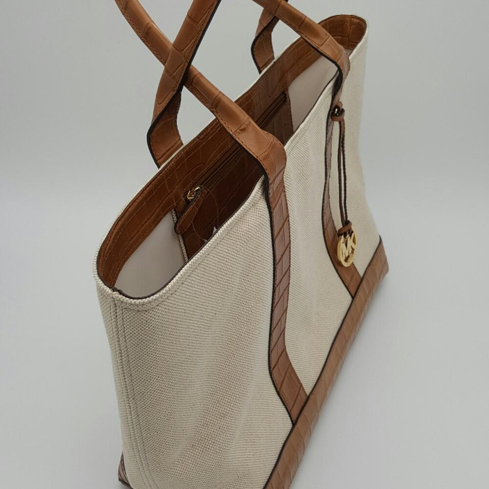 379b2c5693bab9 MICHAEL Michael Kors Brianne Leather Canvas Tote in ECRU Image 8. 123456789