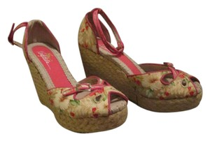 Very Volatile Ankle Strap Buckle Floral Espadrille Multi, Floral Wedges