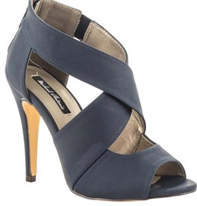 Michael Antonio Navy Pumps