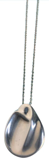 """Tiffany & Co. Sterling Silver Sculpted Elsa Peretti """"Madonna"""" Necklace Tiffany & Co. Sterling Silver Sculpted Elsa Peretti """"Madonna"""" Necklace Image 1"""
