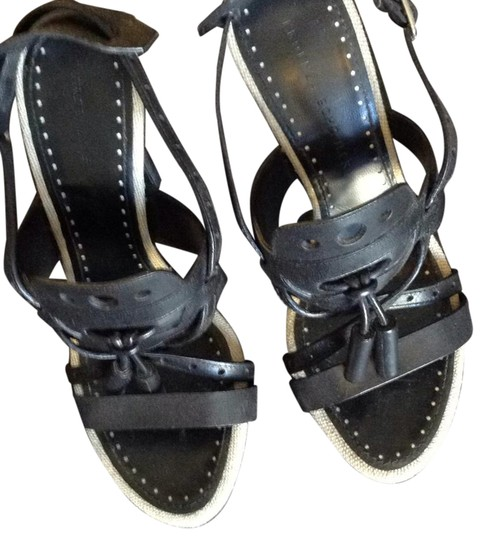 Preload https://img-static.tradesy.com/item/20931639/proenza-schouler-black-with-beige-linen-trim-sandals-size-us-65-regular-m-b-0-1-540-540.jpg