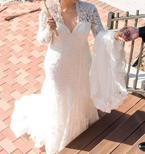 Allure Bridals Long Sleeves Vintage Wedding Dress