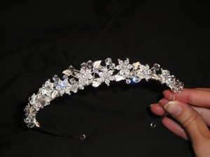 David's Bridal David's Bridal Metal Leaf Tiara / Headband