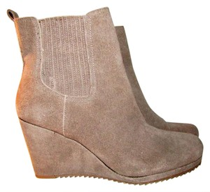 Dolce Vita Neutral Color No-slip Sole New Side Rounded Toe Taupe/Tan Boots