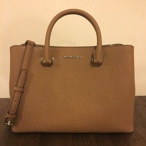 Michael Kors Satchel in Peanut