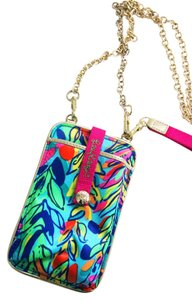 Lilly Pulitzer Wristlet Smartphone Pocket Cross Body Bag