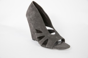 Elizabeth and James Gray Wedges
