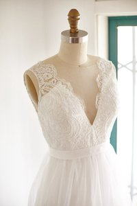Sheer Illusion Lace Tulle Bridal Gown Wedding Dress