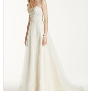 David's Bridal Ivory A-line Strapless Beaded Tulle Feminine Wedding Dress Size 12 (L)