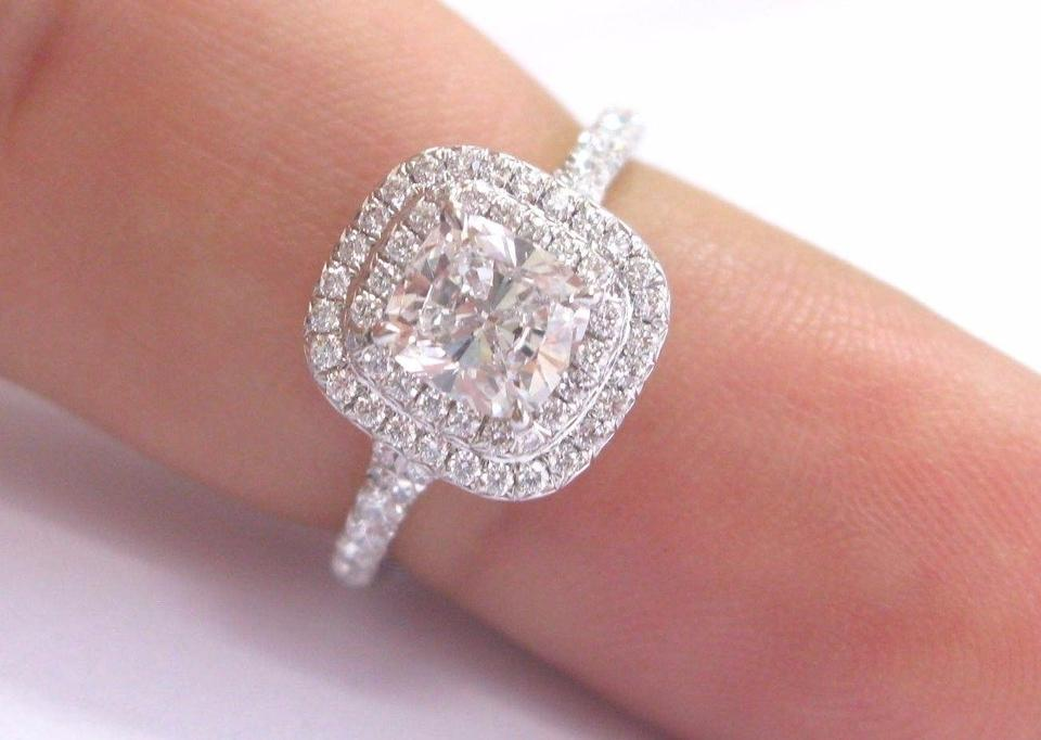 Tiffany Co G Co Platinum Cushion Cut Diamond Soleste Engagement 1 35 Ring 7 Off Retail