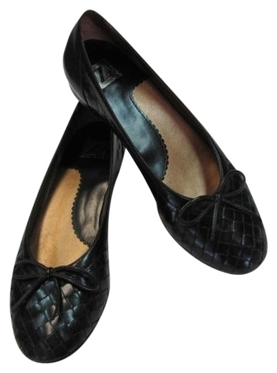T COLLECTION Leather Size 7n Excellent Condition BLACK Flats