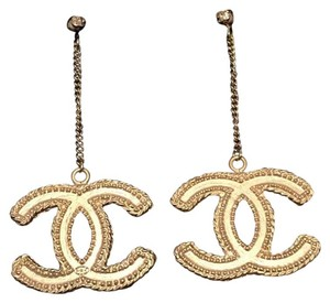 Chanel Chanel gold danggling earrings