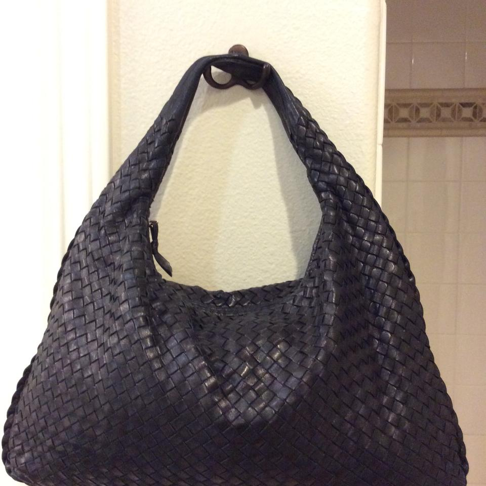 Bottega Veneta Medium Black Leather Hobo Bag - Tradesy 85ae24dd66fd