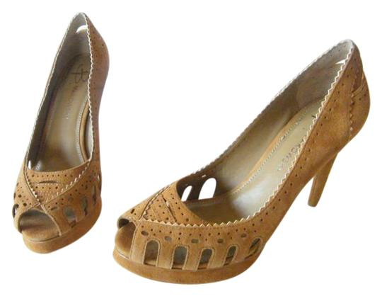 B. Makowsky Suede Leather Open Toe Camel/tan Pumps