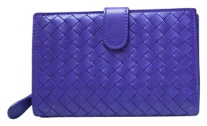 Bottega Veneta BOTTEGA VENETA INTRECCIATO PURPLE LEATHER WOVEN CONTINENTAL WALLET