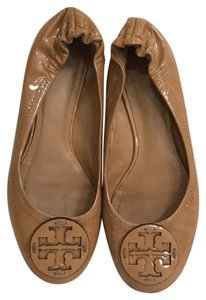 Tory Burch Leather Patent Leather Ballet Slip Ons Ballet Beige Flats