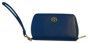 Tory Burch Wristlet in blue with gold hardware