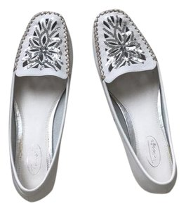 Talbots white with gray and silver accents Flats