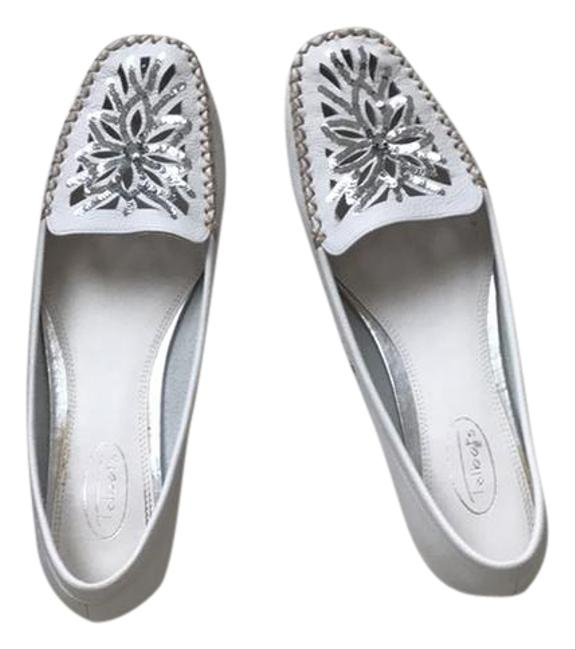 Talbots White with Gray and Silver Accents Flats Size US 9 Regular (M, B) Talbots White with Gray and Silver Accents Flats Size US 9 Regular (M, B) Image 1
