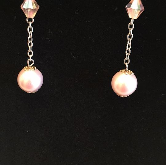 pale pink dangle earrings pale pink dangle earrings Image 4