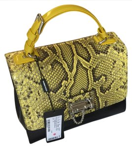 Dolce&Gabbana Satchel in Black & yellow