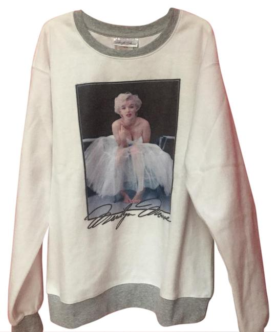 Preload https://img-static.tradesy.com/item/20937834/marilyn-monroe-sweatshirt-new-with-tags-sweaterpullover-size-4-s-0-1-650-650.jpg