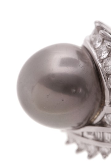Other Platinum Tahitian Pearl & Diamond Cocktail Ring Image 3