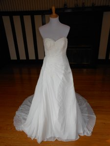Pronovias Jay Wedding Dress