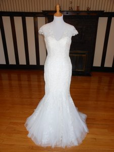 Pronovias Off White Lace 5332 Destination Wedding Dress Size 12 (L)